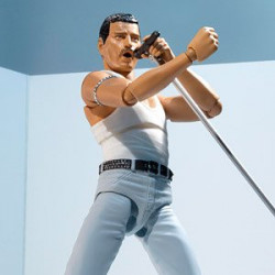 Figurine Freddy Mercury Live Aid Ver. Figuarts japan plush